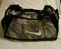 Nike small gym/ travelers / athletic bag New grey- white-bla